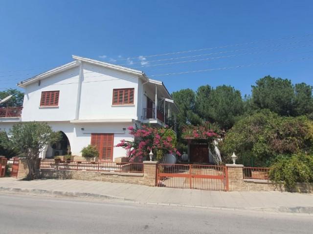 Köklüçiftlik'de Okul, Kreş, Klinik Ve Ofis Olmaya Müsait Geniş Bahçeli Müstakil Ev