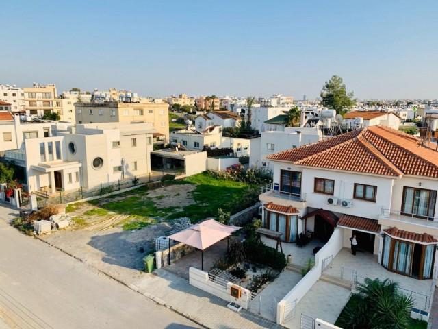 Lefkoşa - Yenikent'in Nezih, Ulaşımı Kolay ve Çocuk Parklı Mükemmel Arsamız Satışta!