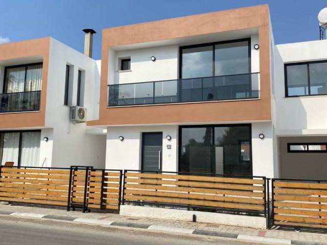 Satılık 3+1 villa, 145 m2, eşdeğer koçan, 72,000stg