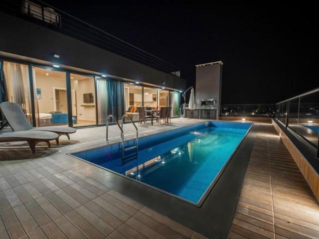 Küçük Kaymaklı'da satılık havuzlu penthouse daire!