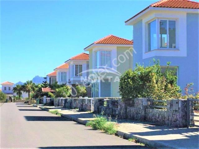 FIRSAT!!Ana yola yakın muhteşem manzaralı geniş 3+1 villa.Son villa