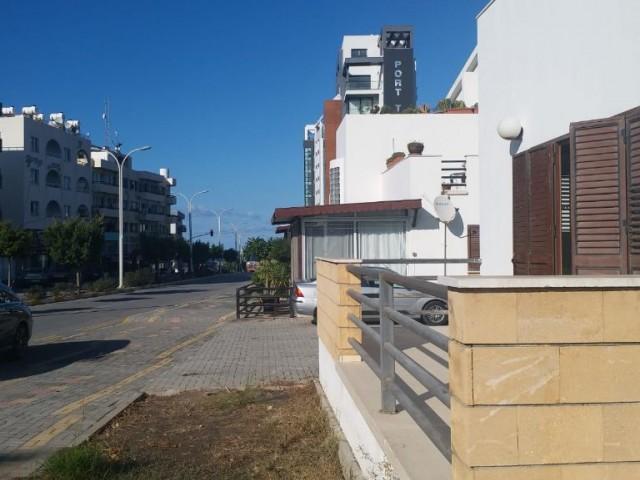 Girne yeni liman  yolu Manipeni civarı zemin kat 3+1 SATILIK esyasız ofis. 135m2