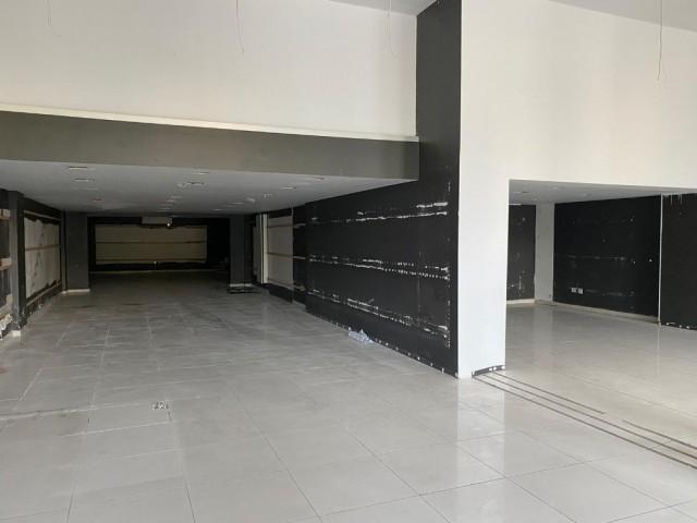 Merkez'de sendeli 380 m2 dükkan 3800 STG / 0548 823 96 10