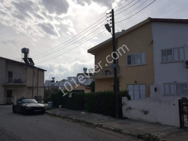 Mağusa Tuzla'da müstakil 400 m2 bahçeli Daire Fiyatına  İkiz Ev