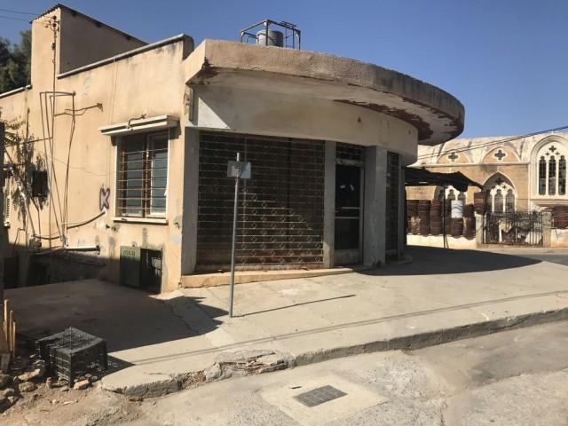 Derinya Sınır Kapısı yolunda / Şehit Zeki Salih İlkokuluna 50 metre uzaklıkta / Tarihi Agia Zoni Kil