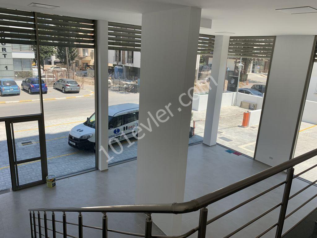 Girne Merkezde Sahibinden Kiralık Yeni Tamamlanan Sende Katlı 240 m2 Dükkan