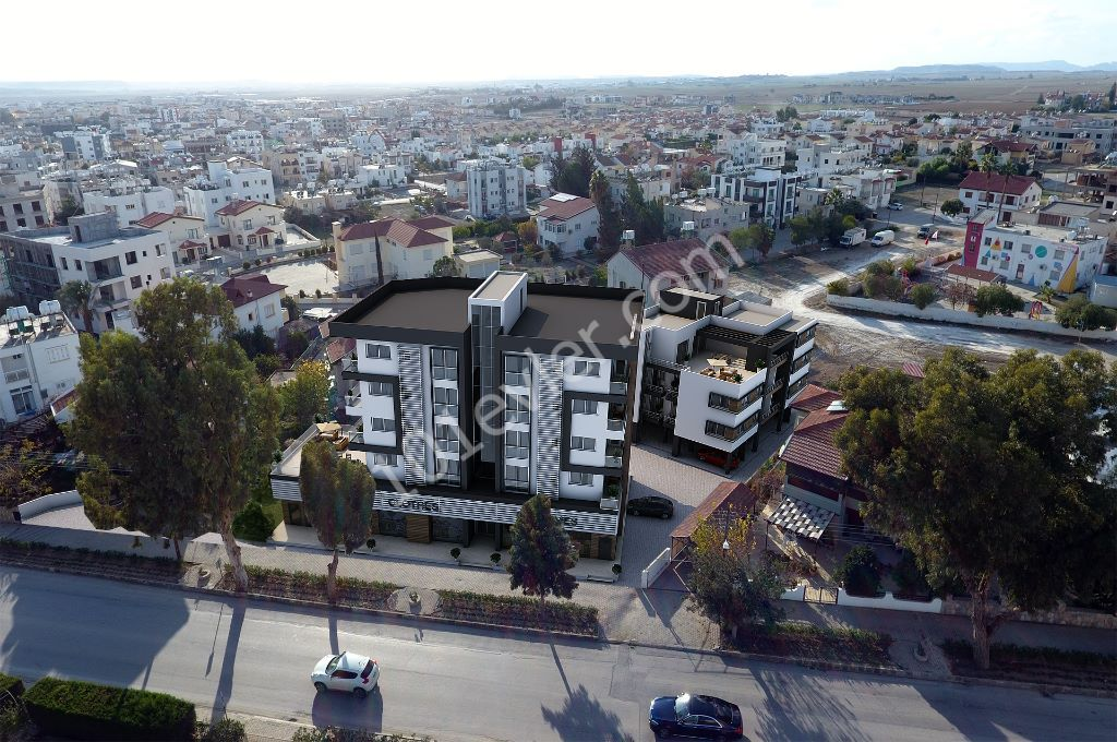 Gönyeli Anayol üstü  Türk tapulu 3 dönüm üzerinde viselenmiş proje. Toplam 44 daire ve 500 metre kare magaza